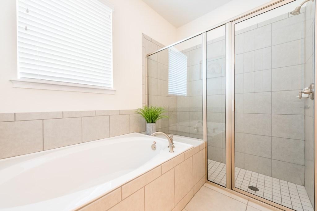 Master Bath 1-2.jpg