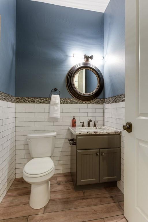 bathroom-.5.jpg