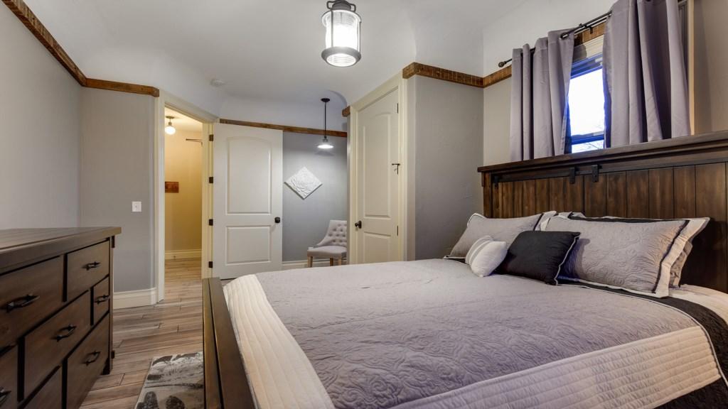bedroom-1-of-2.jpg