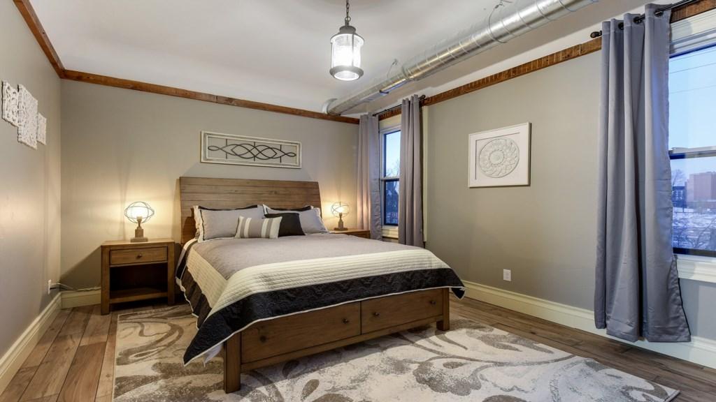 bedroom-queen.jpg