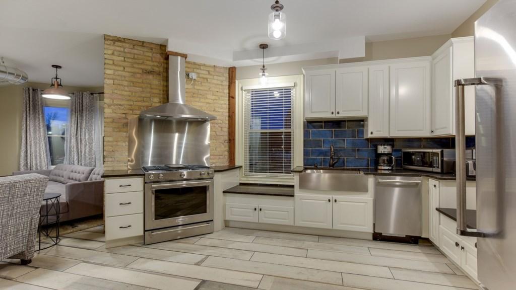 kitchen-.jpg