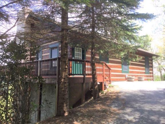 outside cabin_2.JPG