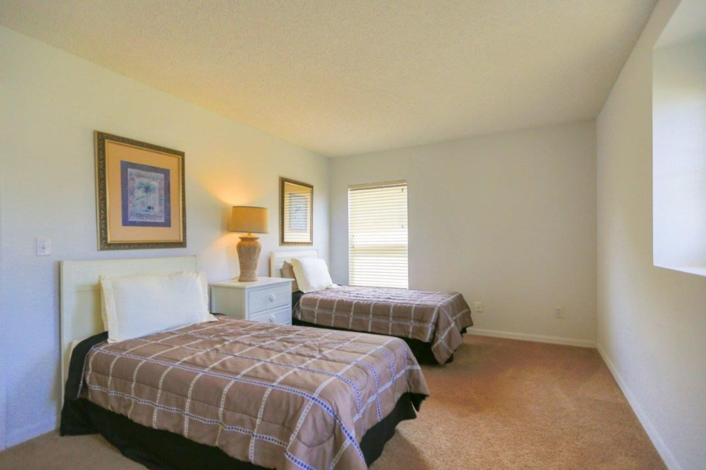 Bed 3 (004).jpg