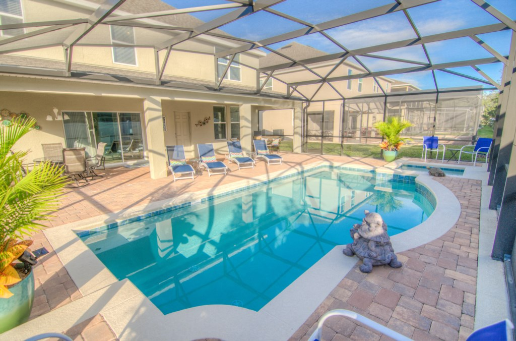 Private South Facing Pool & Spa