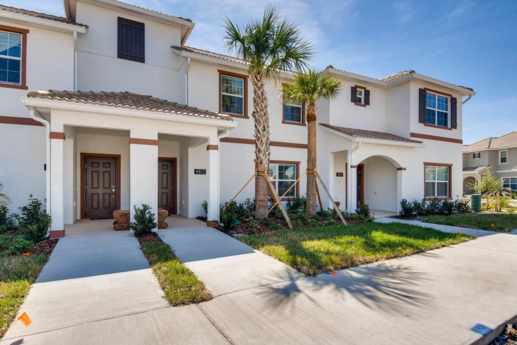 4812-4bd-storey-lake-resort-kissimmee-orlando-florida-vacation-home-snowbird-02.jpg