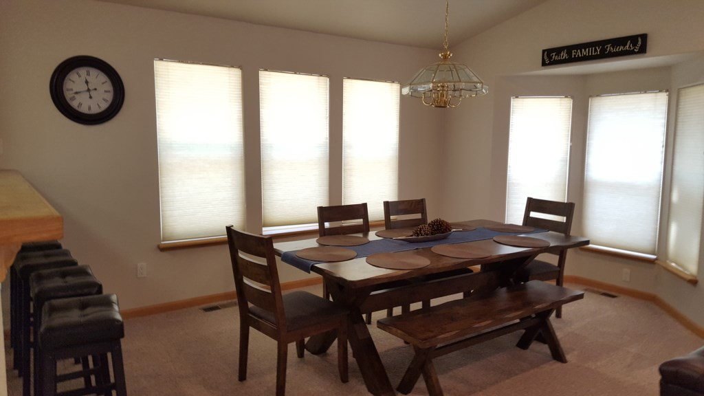 Formal Dining Area with Seating for 6