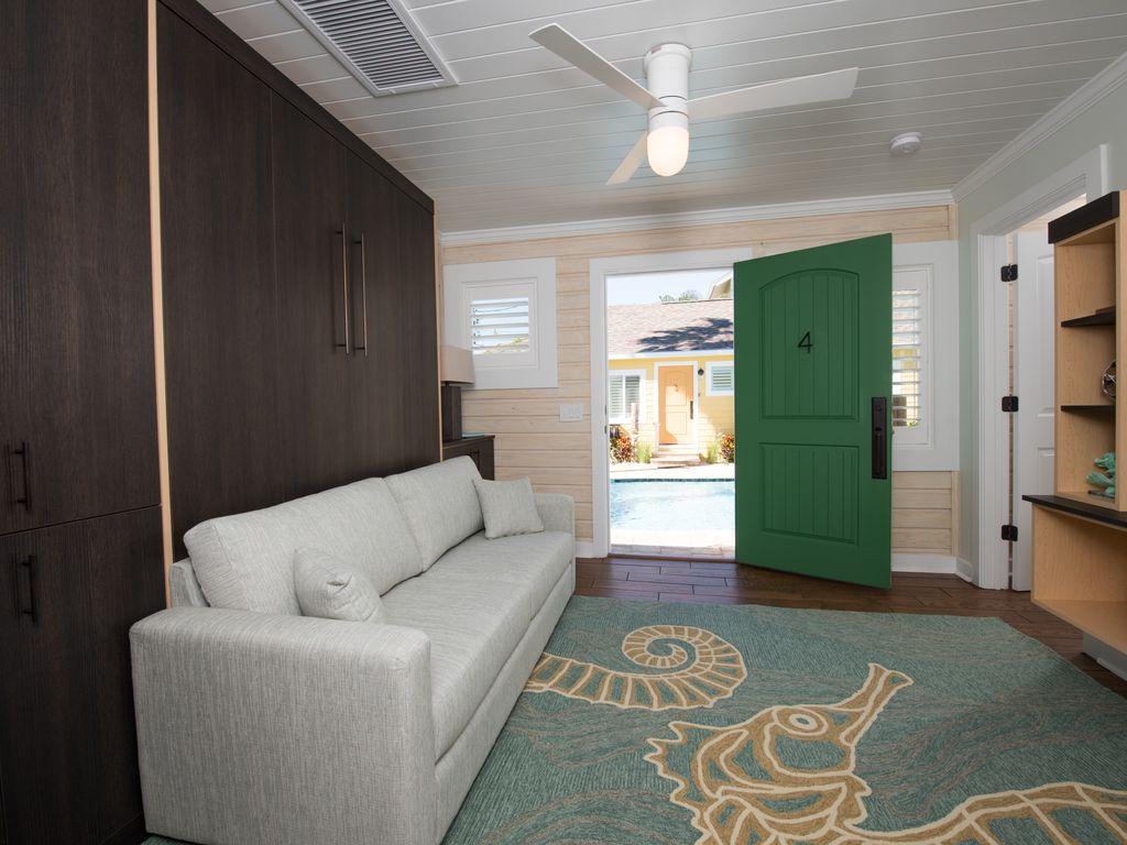 #4 6West Livingroom.jpg