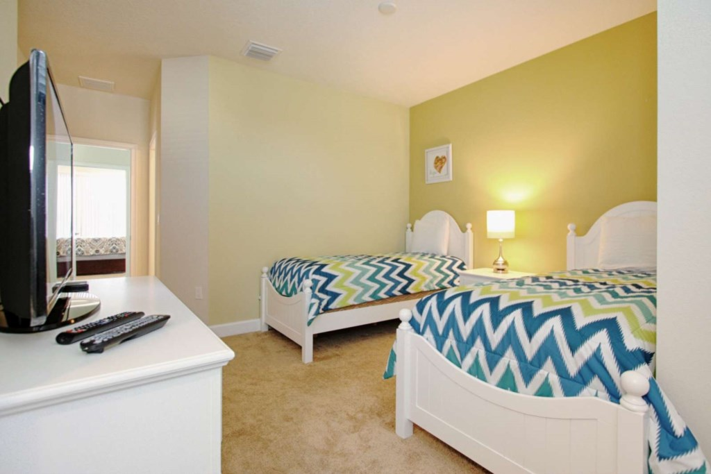 2ND FLOOR WITH 2 TWIN BEDS ENSUITE AND FLAT SCREEN TV VIEW 2.jpg