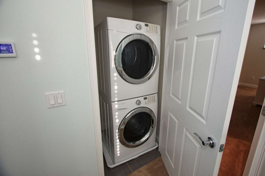 WASHER AND DRYER SET 2ND FLOOR.jpg