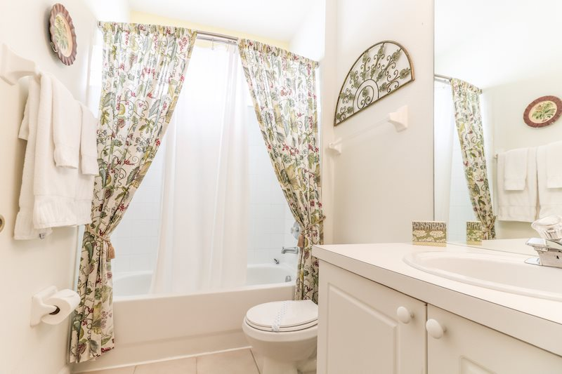 2253WP_Bathroom2.jpg