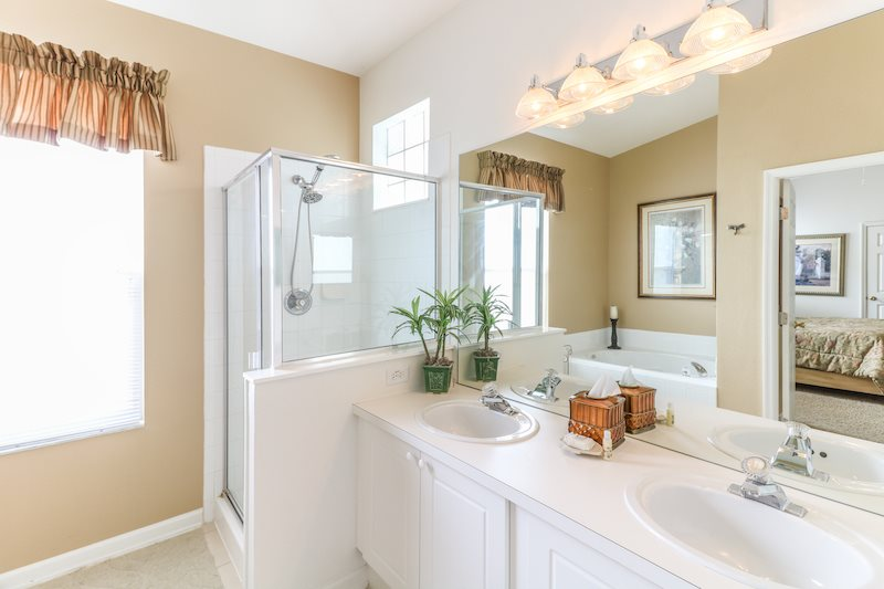 King master suite 1 bathroom