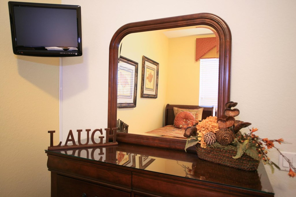Bedroom 3 features great decor plus a 19-inch LCD TV/DVD combo