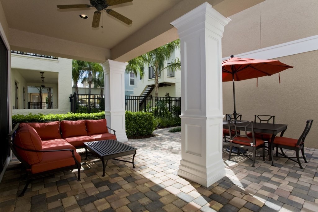 Private courtyard patio complete with BBQ grill