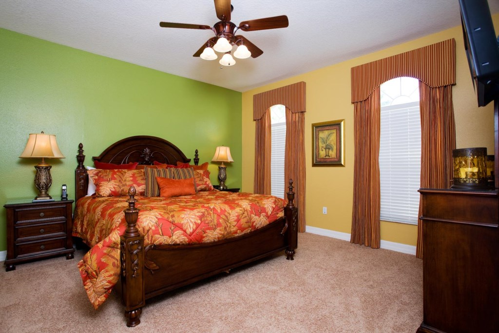 Charming downstairs king suite 2 with 26-inch LCD TV/DVD combo & ceiling fan