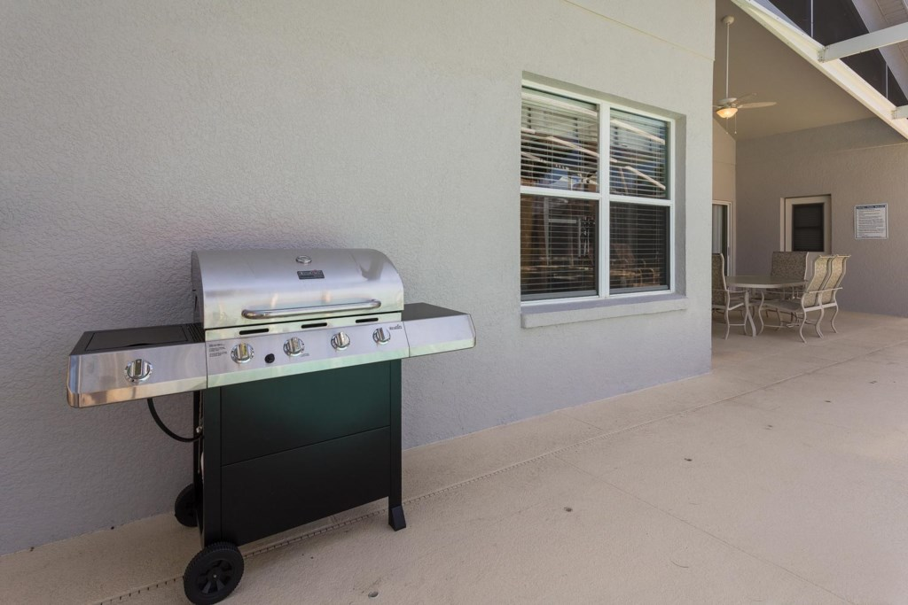 The pool & patio area has a barbecue grill