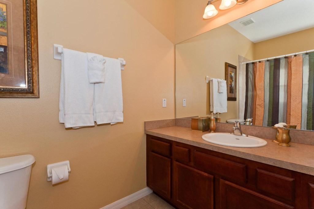 Downstairs master bathroom 4 with full bathtub & shower