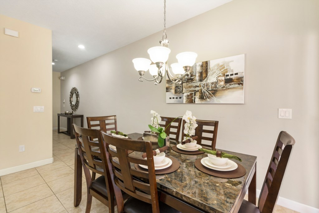 Amazing4 Bed/3 Bath Located In Paradise Palms
