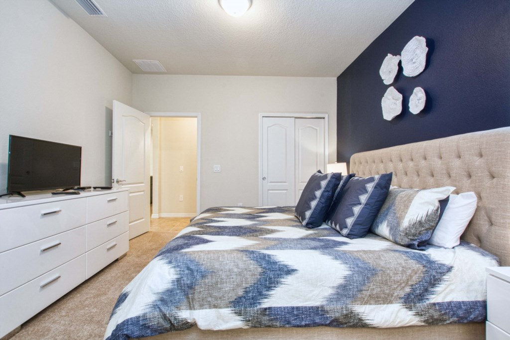 King Size Bed/ Master Bedroom