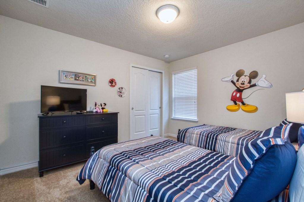 2 Twins/ Guest Bedroom