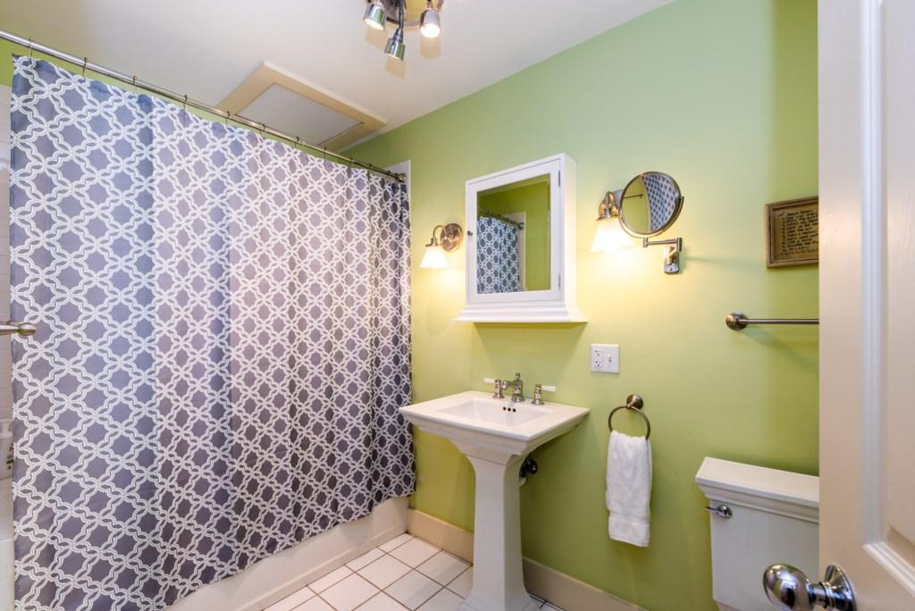 Bathroom #2 (Full Bath with Shower/Tub Combo)