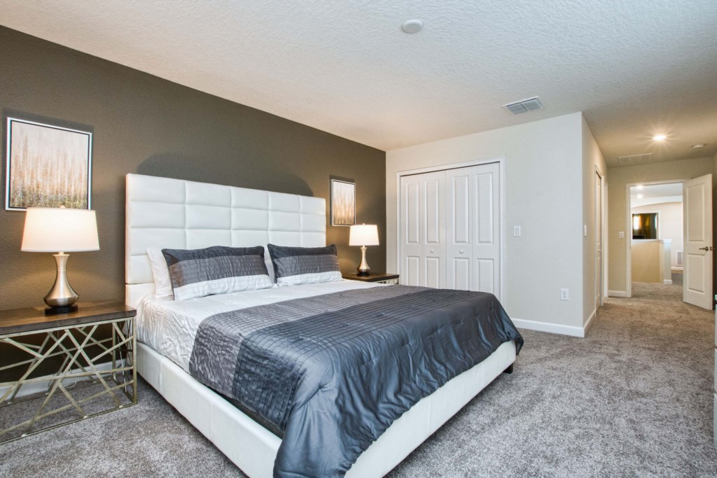 Master Bedroom/ King Size Bed