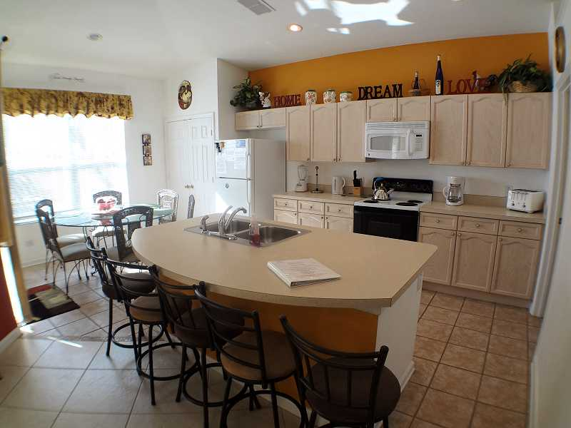 Kissimmee Vacation Home Rental | WP8112 Kitchen | Champion Villas