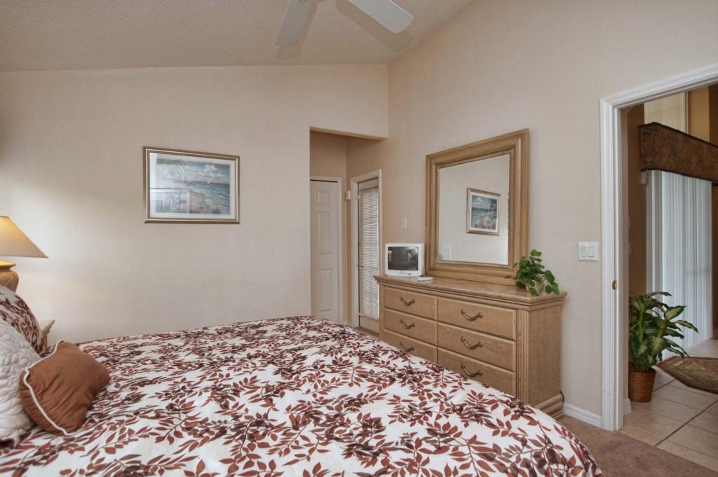 Bedroom 42.jpg