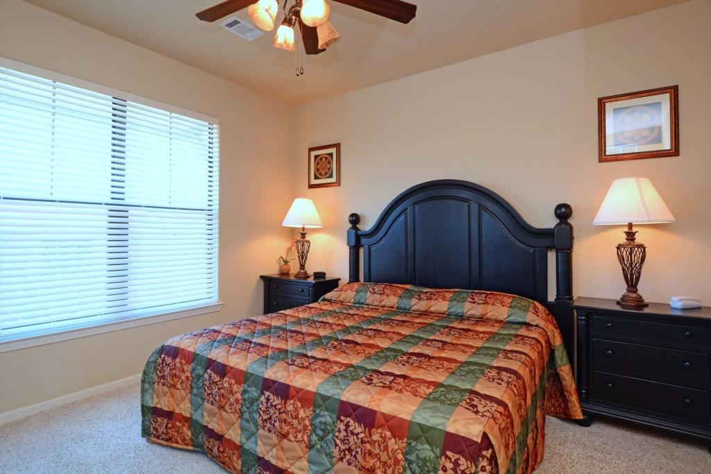 15 Bedroom.jpg