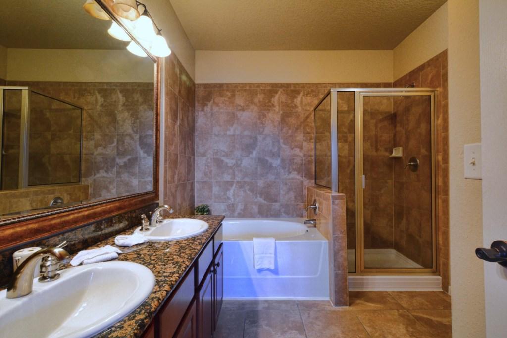 16 Bathroom.jpg