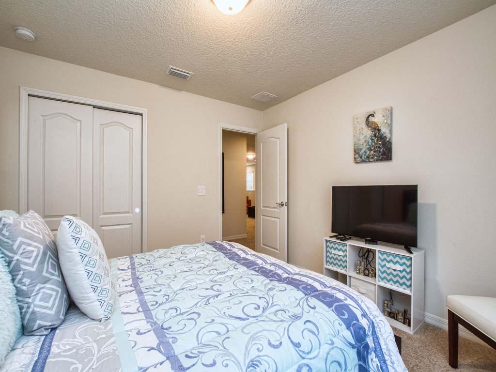 Guest Bedroom/