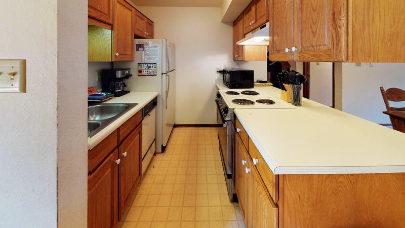 zoG5Kb5vfxN-Kitchen.jpg