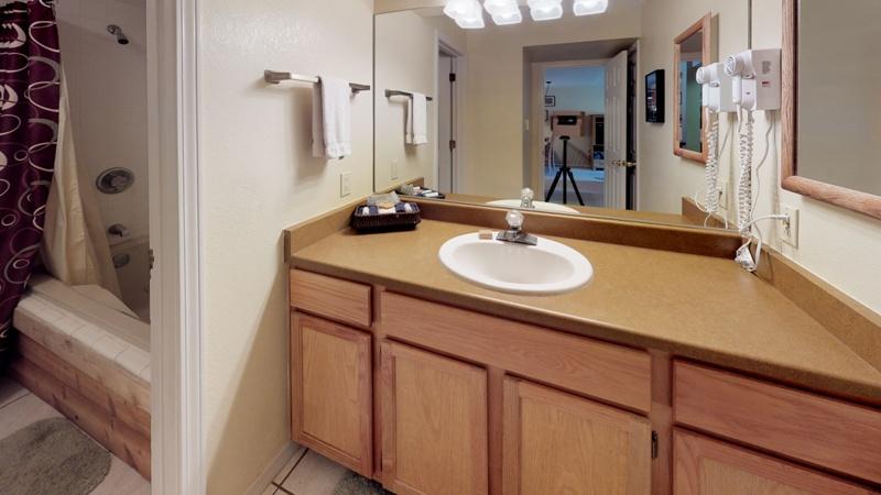 Mountain-Spirits-217-Bathroom.jpg