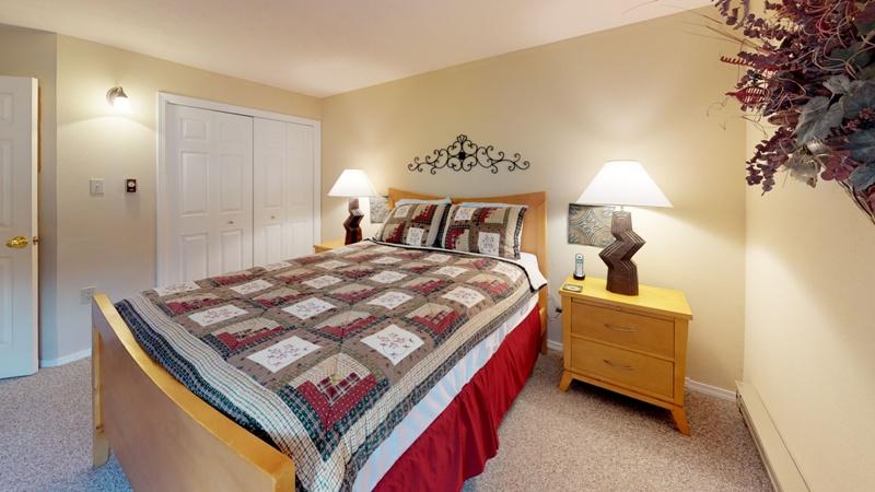Mountain-Spirits-217-Bedroom.jpg