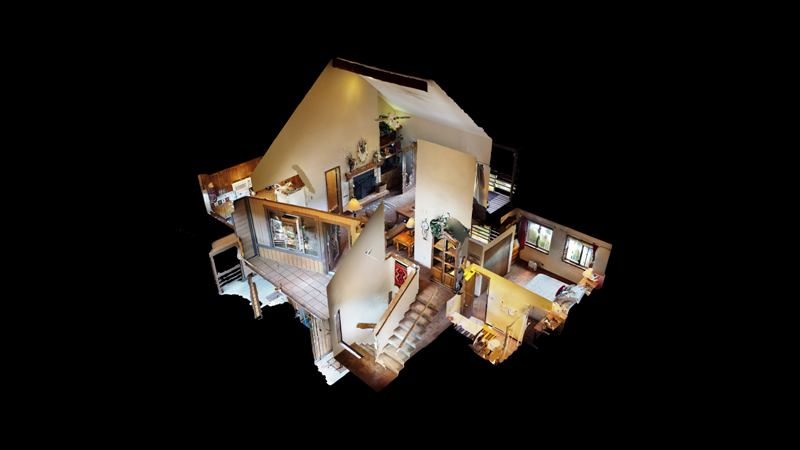 D7BFa4Z5G22-Dollhouse_View.jpg
