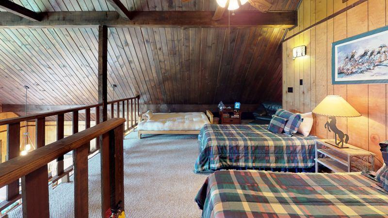 3LDzixBXwbb-Bedroom.jpg