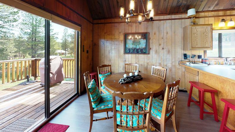 Y2S1SeSR4r6-Dining_Room.jpg