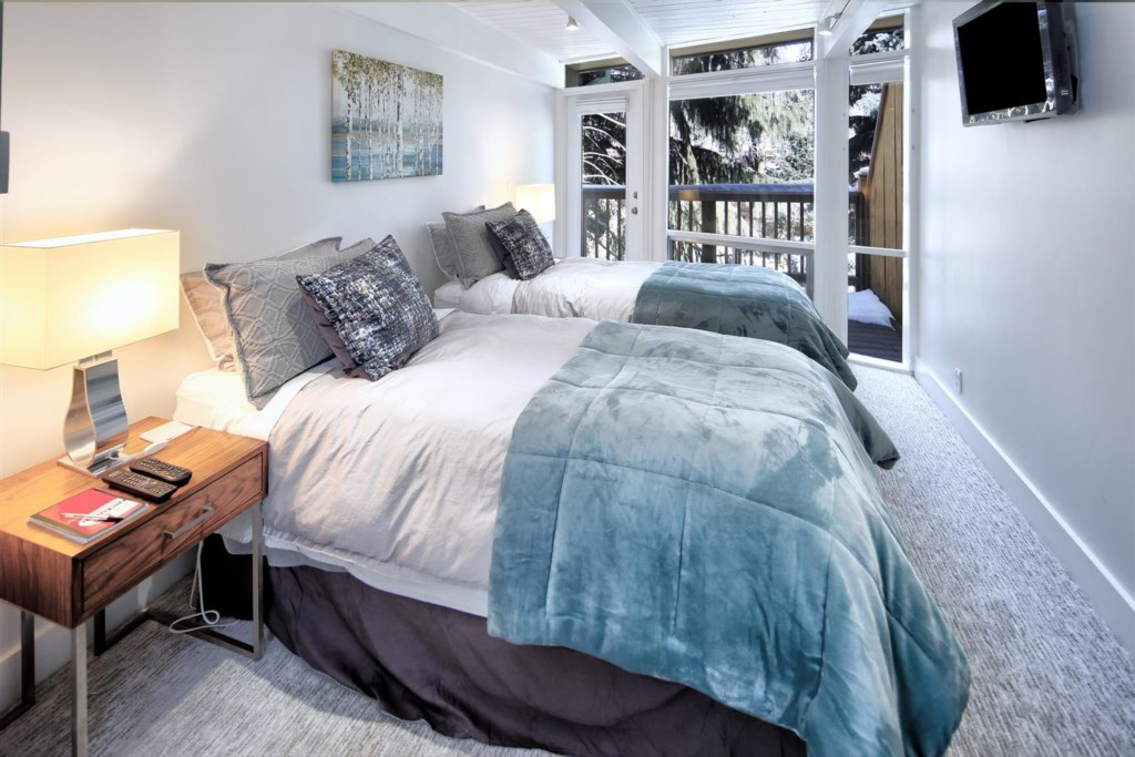 Guest Room with split King or Twins
