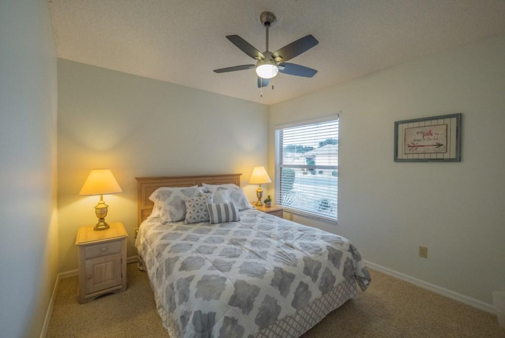 Guest Bedroom - Queen Size Bed