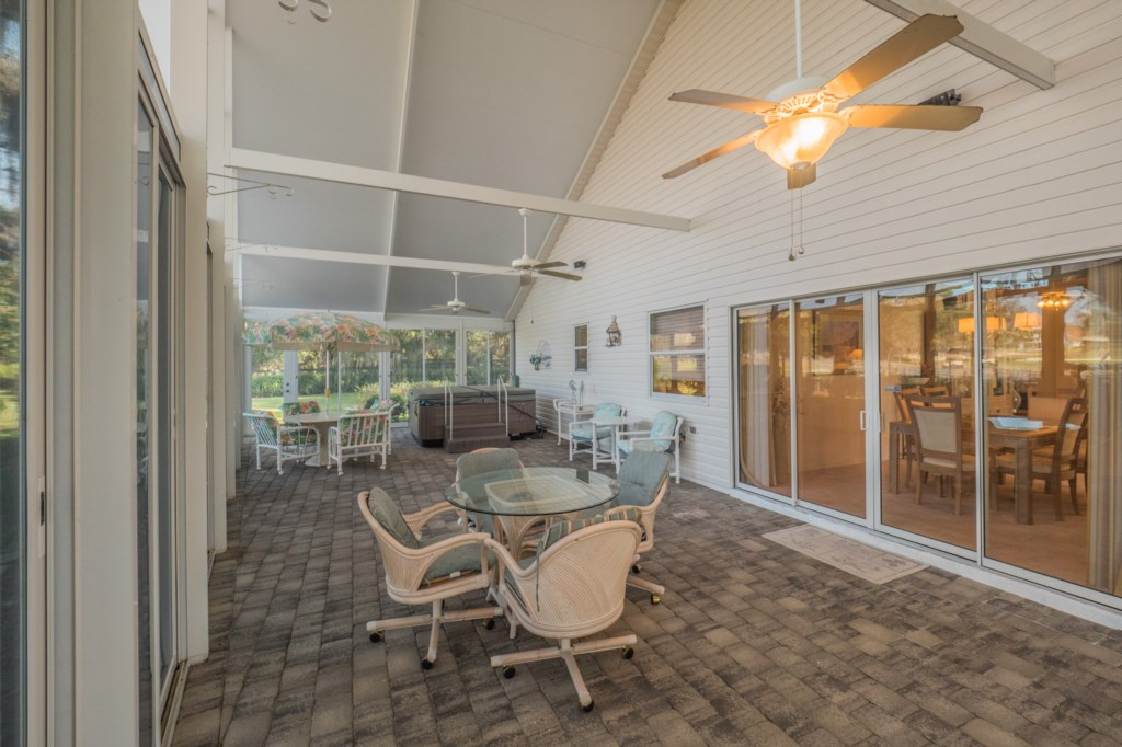 Screened Side Patio - Spa NOT included
