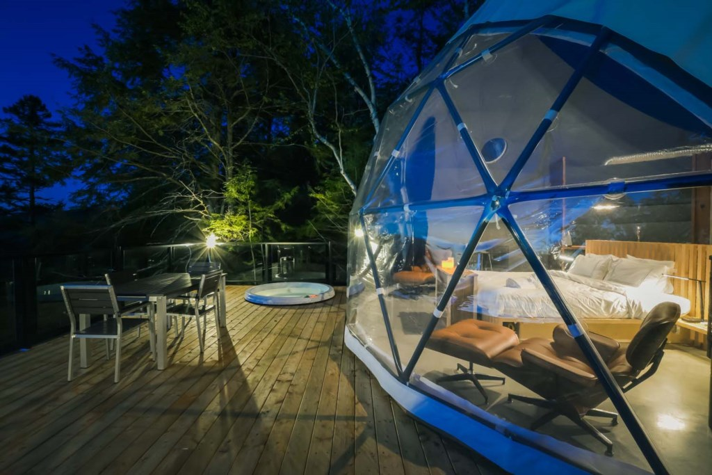 Love Nest Dome #4-<strong>sleeps 2</strong>