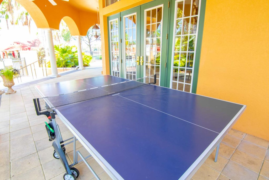 Solana Resort - Outdoor Ping Pong Table