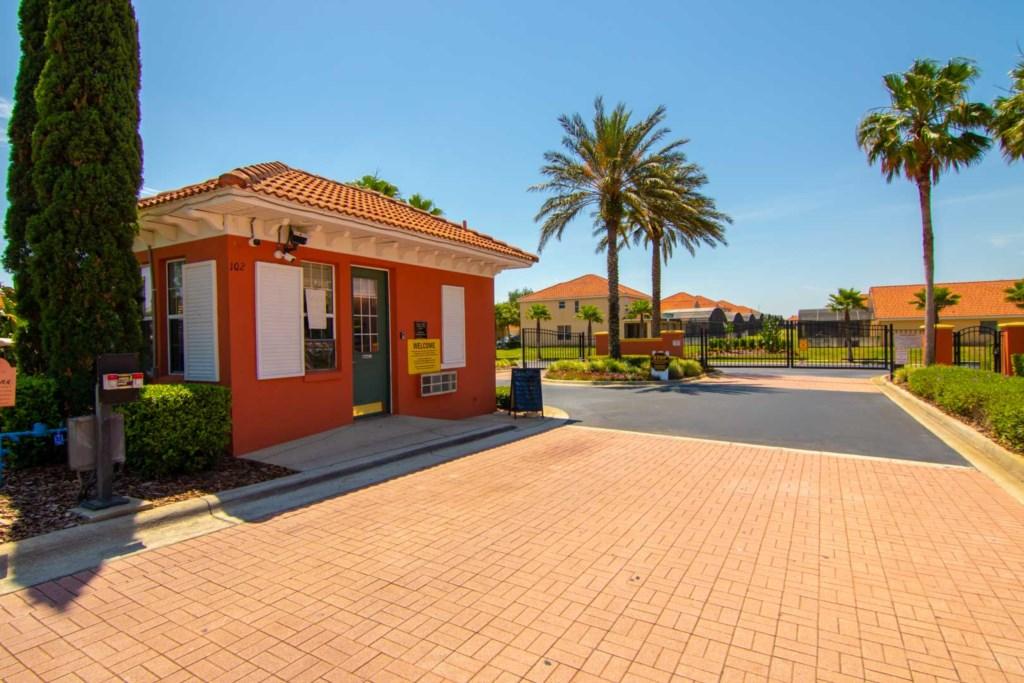 Solana Resort - Guard House & Gate