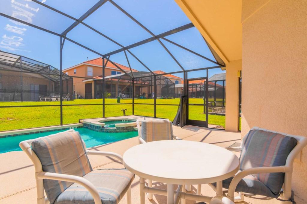 Charming Solana Resort Villa - Covered Lanai