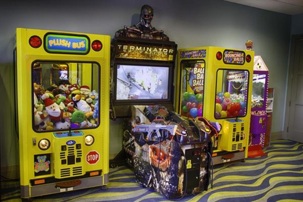 lennar-oasis-club-arcade_600.jpg