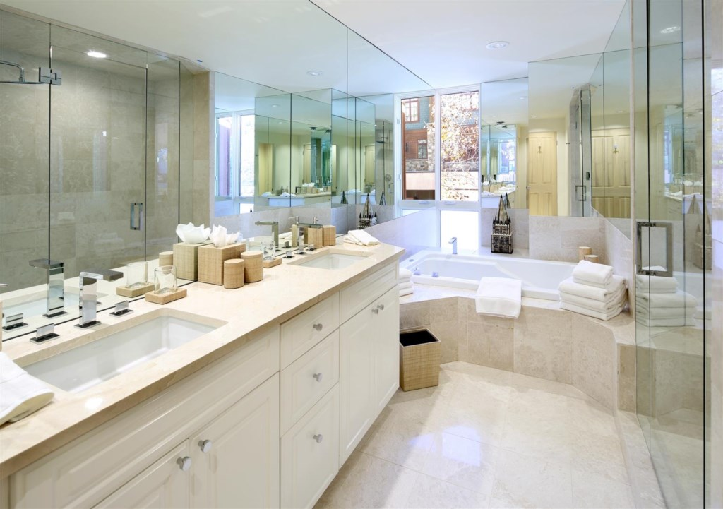 Master Bathroom with Steam Shower and Jacuzzi Tub