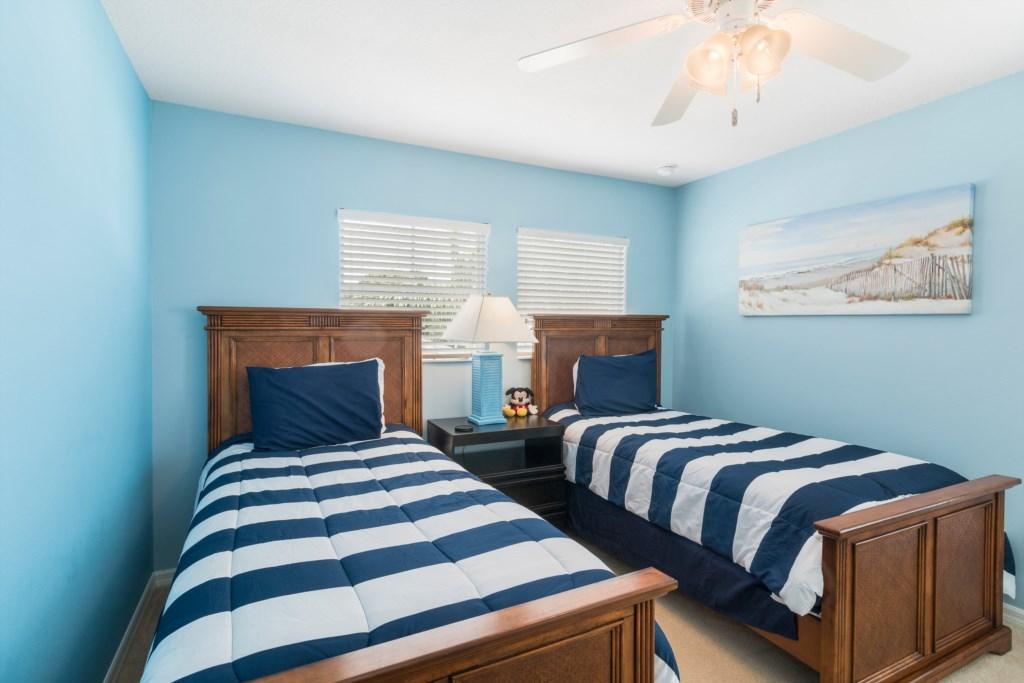 22_Twin_Bedroom_0721.jpg