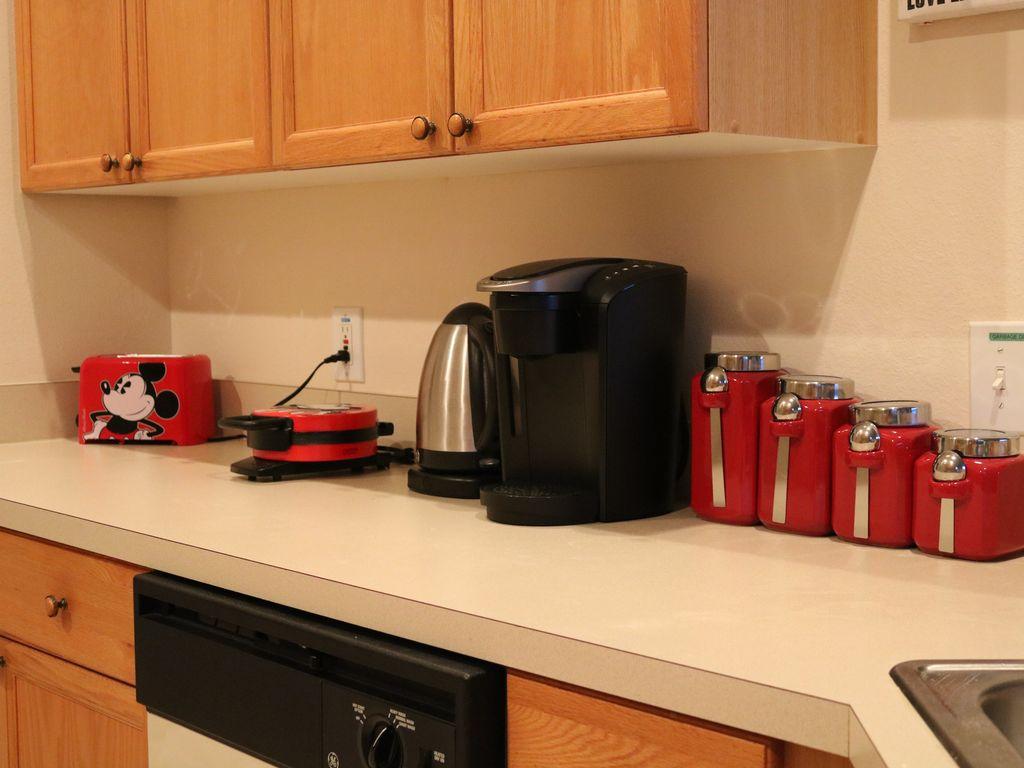 kitchen equipment2.jpg