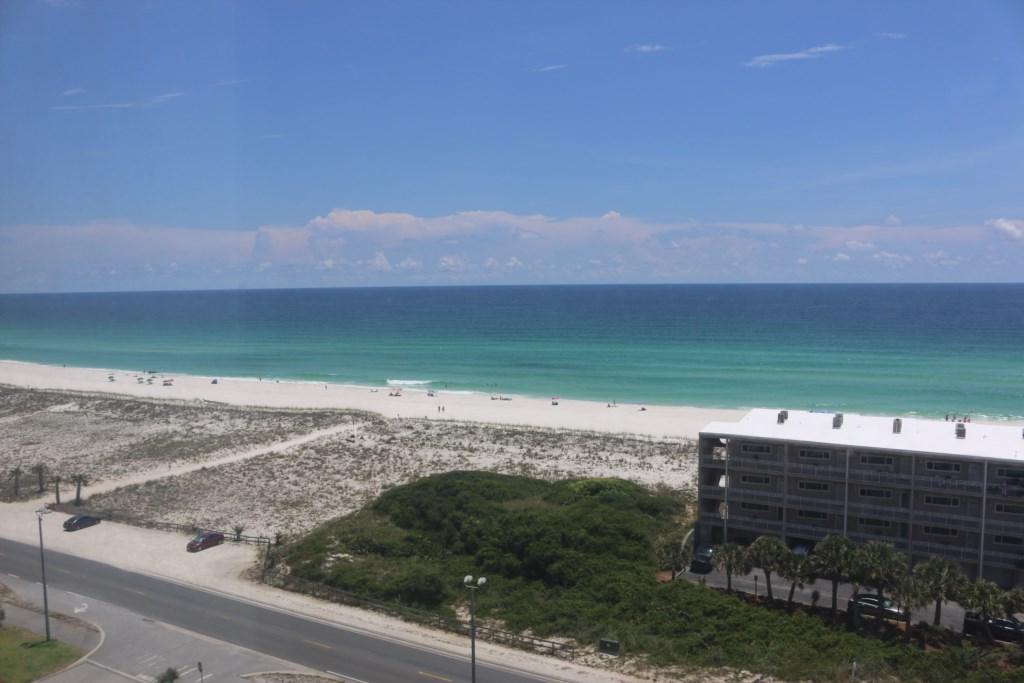 1050 - 10th Floor views! Three balcony views!