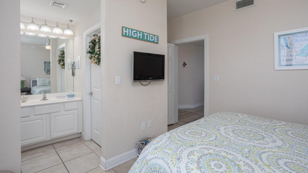 Full bathroom located in third bedroom
