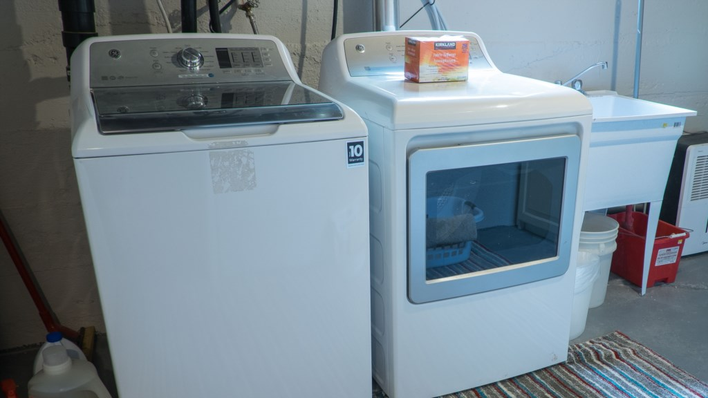 Laundry facilities - Hullcrest Cottage - Niagara-on-the-Lake